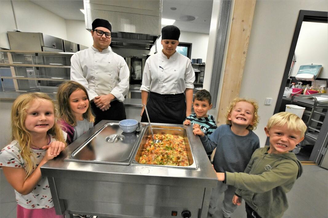 SFO-barna får servert varme måltider - Pizza er best, men dette ser veldig godt ut